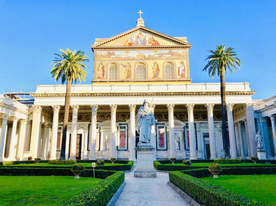 サン・パオロ・フォーリ・レ・ムーラ大聖堂 ファサード