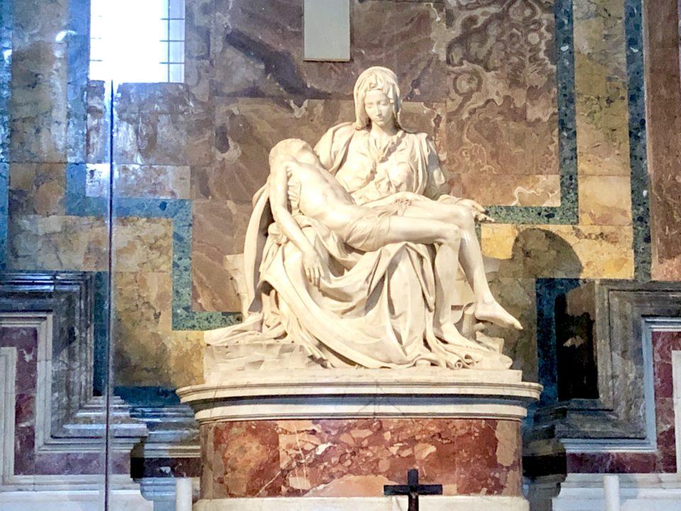サンピエトロ大聖堂 ミケランジェロ作聖母像ピエタ