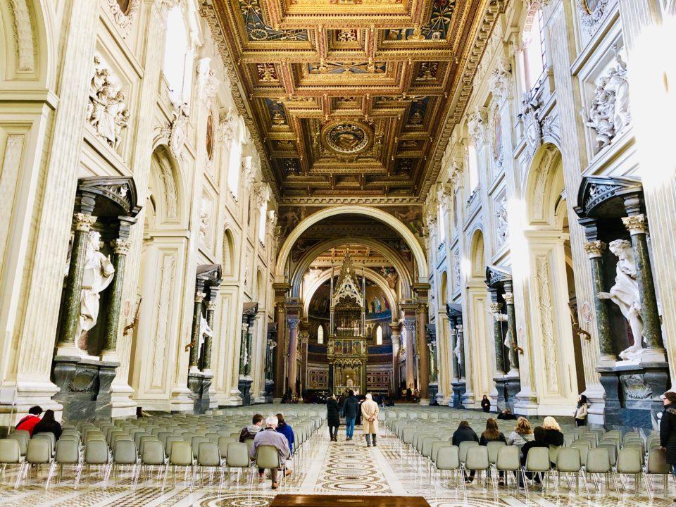 サン・ジョバンニ・イン・ラテラーノ大聖堂内部