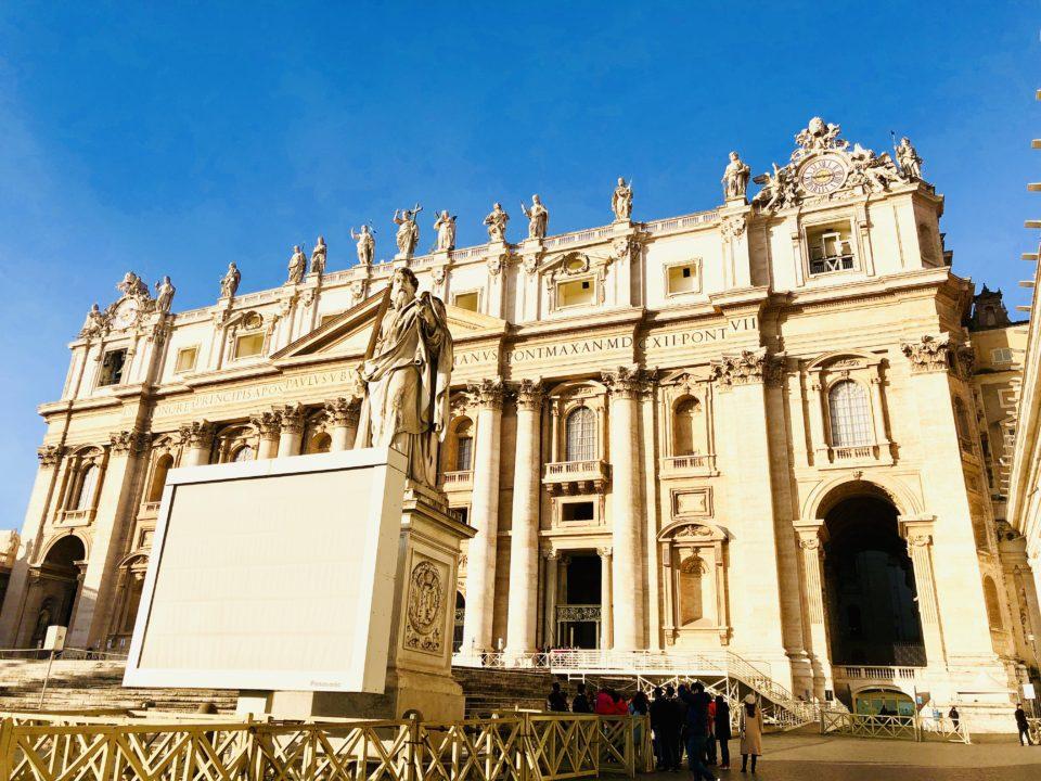サンピエトロ大聖堂入口