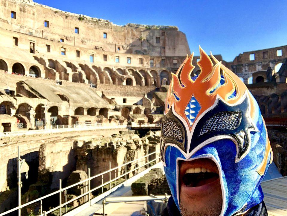コロッセオと世界遺産マン