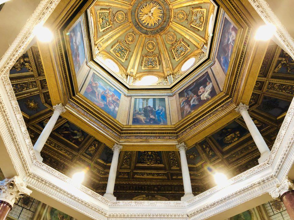 サン・ジョバンニ・イン・ラテラーノ大聖堂 洗礼堂天井