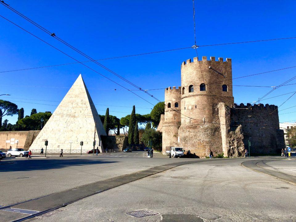 アウレリアヌスの城壁 ピラミデ