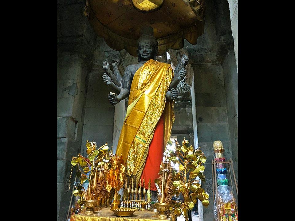 アンコールワット ヴィシュヌ神像