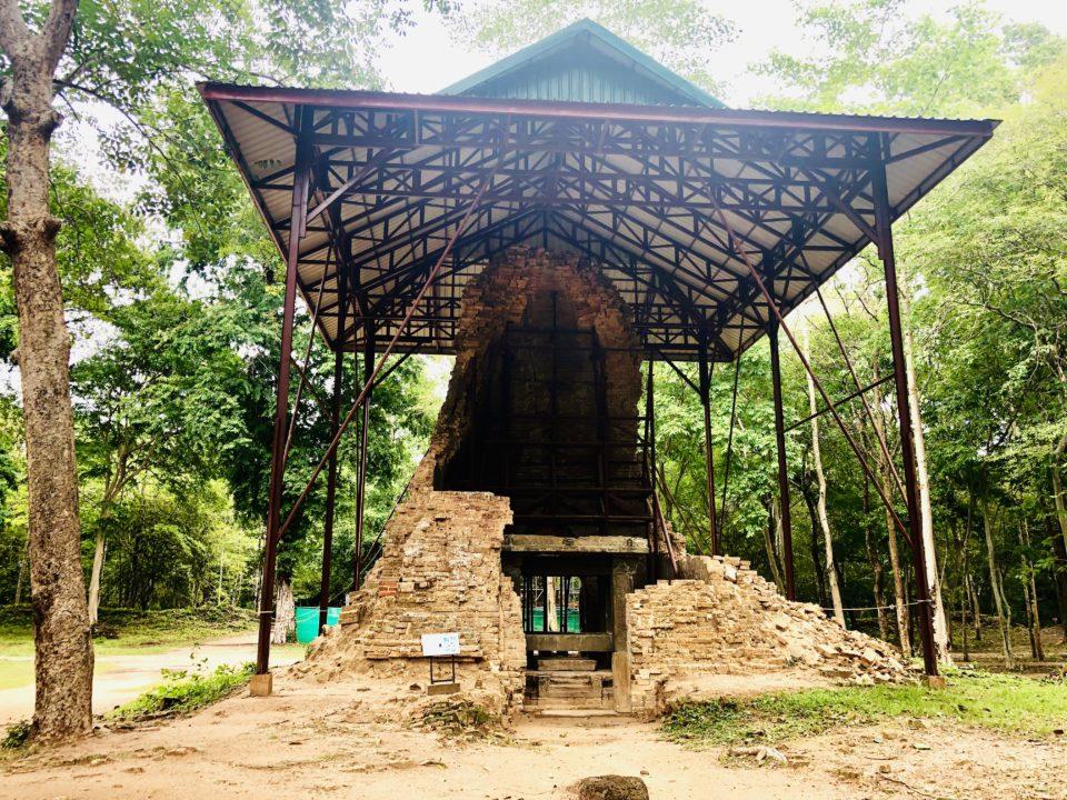 カンボジアの世界遺産 サンボー・プレイ・クック プラサット・イェイ・ポアン
