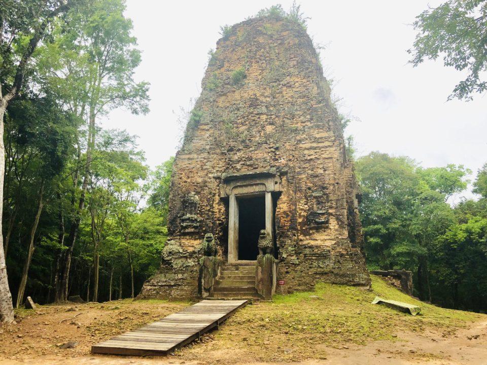 カンボジアの世界遺産 サンボー・プレイ・クック プラサット・タオ