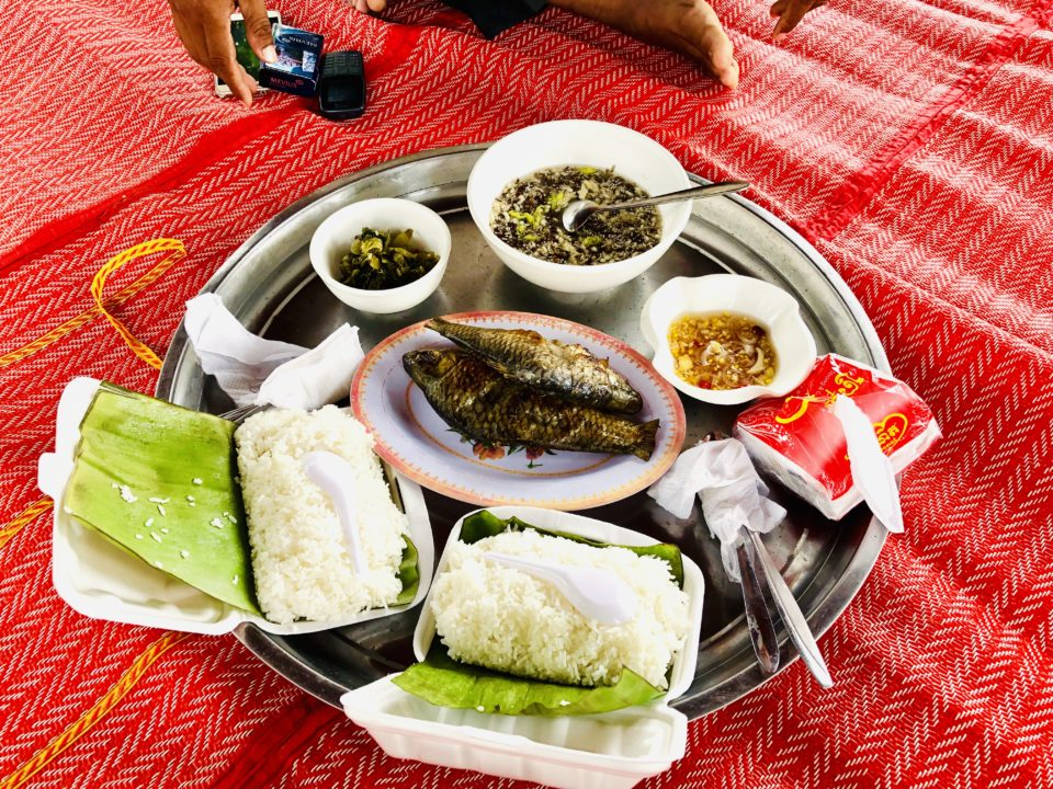 カンボジアで食べた朝飯