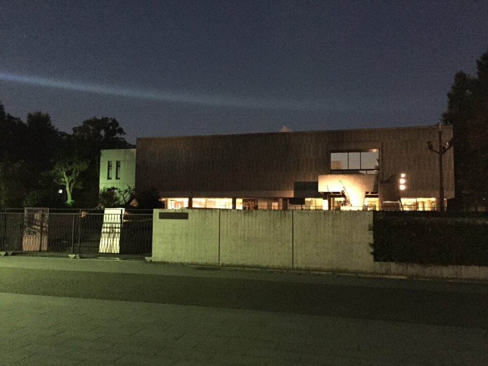 夜の国立西洋美術館